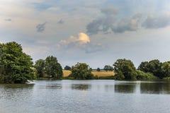 Lago summer en campo checo imagen de archivo