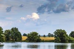 Lago summer en campo checo fotografía de archivo