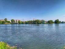Lago summer en un día soleado imágenes de archivo libres de regalías