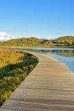 Lago Sun y trayectoria del tablón en el otoño Fotos de archivo