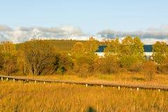 Lago Sun y trayectoria del tablón en el otoño Imagen de archivo