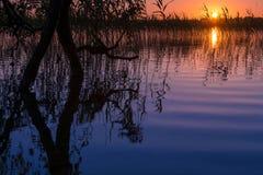Lago sundown Imagenes de archivo