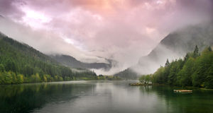 Lago sunset Imagenes de archivo