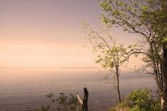 Lago sunset Fotografía de archivo libre de regalías