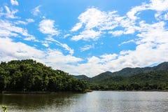 Lago Tailandia mountain Foto de archivo libre de regalías