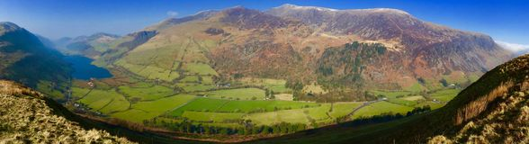 Lago Tal-y-Lynn e montagne Snowdonia Immagini Stock Libere da Diritti