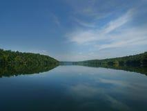 Lago Taneycomo nella vista del lago missouri di sud-ovest Fotografia Stock Libera da Diritti