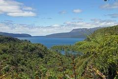 Lago Tarawera imágenes de archivo libres de regalías
