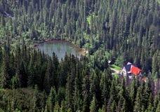 Lago Tatliak en Tatras occidental fotos de archivo
