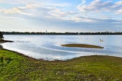 Lago Taungthaman e ponte del u-Bein Fotografie Stock Libere da Diritti