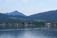 Lago Tegernsee e montagne dell'alpe Fotografia Stock Libera da Diritti