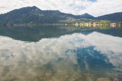 Lago Tegernsee e montagne dell'alpe Fotografia Stock