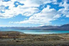 Lago Tekapo che guarda verso il supporto Dobson Immagine Stock Libera da Diritti