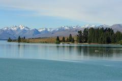Lago Tekapo con le alpi del sud Fotografia Stock Libera da Diritti
