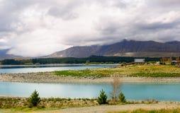 Lago Tekapo e iglesia del buen pastor, Nueva Zelanda foto de archivo libre de regalías