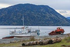 Lago Teletskoe Imagem de Stock