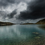 Lago tempestuoso Imagen de archivo libre de regalías