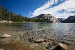 Lago Tenaya del parque nacional de Yosemite Fotografía de archivo