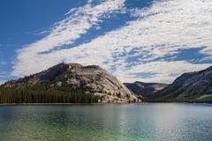 Lago Tenaya del parque nacional de Yosemite Imagenes de archivo