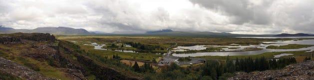 Lago Thingvallavatn no parque de Thingvellir, Islândia Imagens de Stock