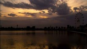 Lago Timlapse in Shymkent al tramonto archivi video