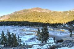 Lago Tioga al tramonto, parco nazionale di Yosemite Immagine Stock Libera da Diritti