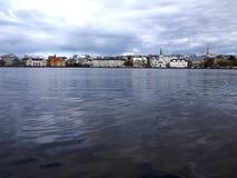 Lago Tjornin, Reykjavik, Islândia Foto de Stock Royalty Free