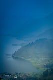 Lago Toba ad alba Fotografia Stock Libera da Diritti