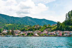 Lago Toba na área de Parapat, Sumatra Imagens de Stock