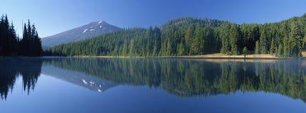 Lago Todd e celibatário da montagem imagens de stock