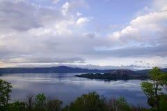 Lago Towada en la puesta del sol en Aomori, Japón Foto de archivo libre de regalías
