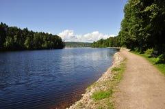 Lago tranquilo en Suecia foto de archivo libre de regalías