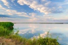 Lago tranquilo hermoso Imagen de archivo libre de regalías