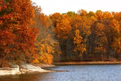Lago Triadelphia no outono fotografia de stock royalty free