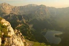 Lago Trnovacko delle alpi di Dinaric nel Montenegro Fotografia Stock