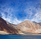Lago Tso de Pangong em Ladakh, Índia Fotografia de Stock Royalty Free