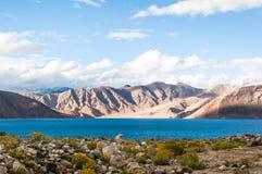 Lago tso de Pangong, Ladakh, Jammu y Cachemira, la India Fotos de archivo