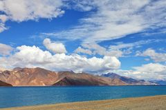 Lago tso de Pongong, Ladakh, Jammu y Cachemira, la India Imagenes de archivo