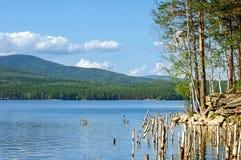 Lago Turgoyak, Urales meridionales Imagen de archivo libre de regalías