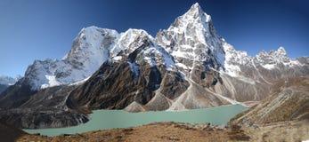 Lago turquoise no Everest fotografia de stock royalty free