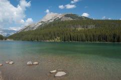 Lago two Jack, Alberta, Canadá Fotografia de Stock Royalty Free