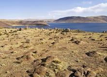Lago Umayo nelle Ande peruviane fotografia stock libera da diritti