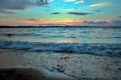 Lago Uwildy en Urales meridionales en verano Fotos de archivo libres de regalías