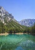 Lago verde fotos de stock