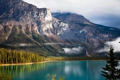 Lago verde smeraldo Immagine Stock Libera da Diritti