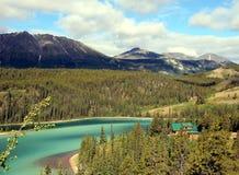 lago verde smeraldo Fotografie Stock Libere da Diritti