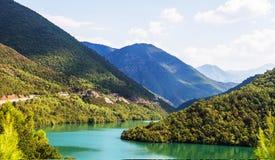 Lago verde smeraldo Albania Liqueni/Ulzes Fotografia Stock Libera da Diritti