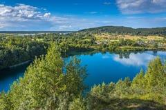 Lago verde smeraldo - isola di Wolin immagine stock