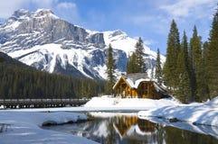 Lago verde smeraldo, Montagne Rocciose canadesi fotografie stock