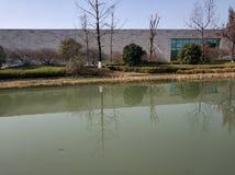 Lago vicino al museo 018 di liangzhu fotografia stock libera da diritti